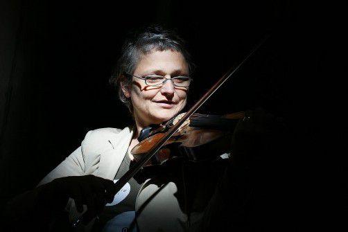 """Evelyn Fink-Mennel gibt am Sonntag den Startschuss zur Reihe """"Fremde Nähe 2012/13"""". foto: berchtold"""