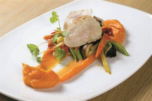 Farbenfroh und köstlich: Chili-Süßkartoffelpürée mit Putenfilet. Fotos: VN/R. Paulitsch