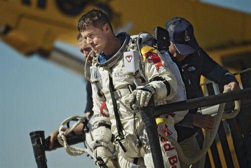 Felix Baumgartner muss sich weiter in Geduld üben. Foto: dapd/Red Bull