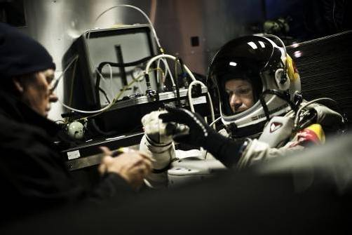 Felix Baumgartner will mit seinem Sprung nicht nur die Schallmauer durchbrechen, sondern vier Weltrekorde aufstellen. Foto: APA