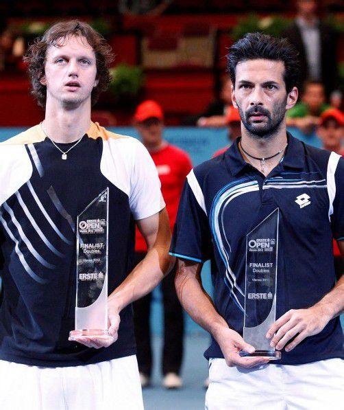 Filip Polasek und Julian Knowle (v. l.) mussten sich mit dem Pokal für die Zweitplatzierten begnügen. Foto: GEPA
