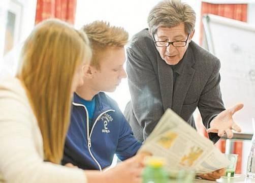 """Große Chance für Nachwuchsjournalisten: """"Zeitung in der Schule"""" verlost Workshops mit Journalist Thomas Trenkler. Foto: Zis/Voraberger"""
