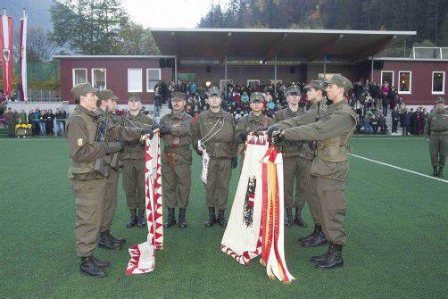 Großer Festakt im Montafon: die Angelobung von 266 Rekruten des Bundesheers auf dem Sportplatz. Foto: VN/Paulitsch