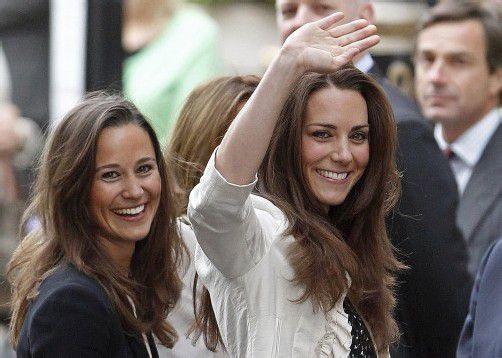 Halten auch in Krisenzeiten zusammen: Herzogin Kate (r.) und ihre Schwester Pippa Middleton. Foto: AP