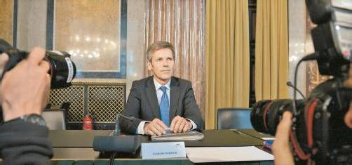 Im U-Ausschuss bestätigte Ostermayer gestern immerhin, als Faymann-Mitarbeiter ÖBB-Medienkooperationen abgewickelt zu haben. Foto: APA