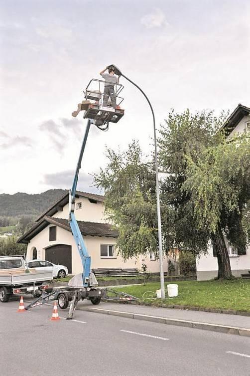 In Röthis wird die Straßenbeleuchtung ausgetauscht. Foto: HW