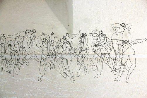 Installation aus Drahtzeichnungen von Hilda Keemink. Fotos: A. Grabher