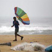 Indien: Evakuierungen wegen Zyklon Nilam