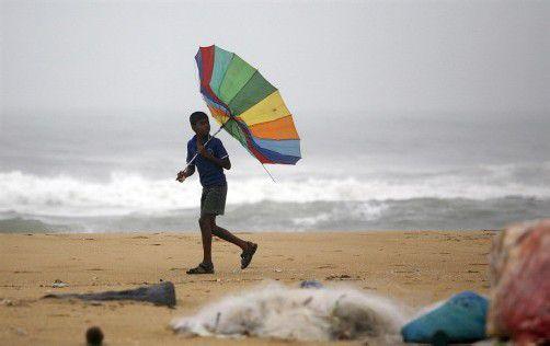 Meteorologen erwarten, dass der Sturm heute Nachmittag auf Land trifft und viel Regen mit sich bringt. Foto: AP