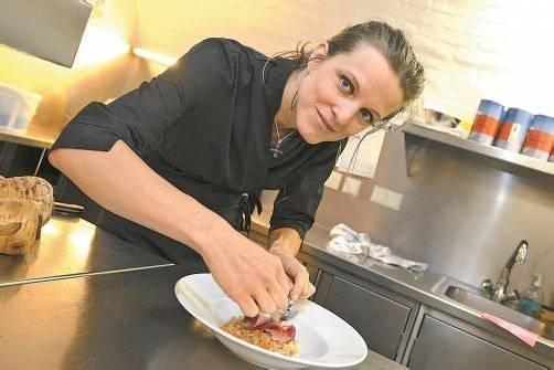Mit Liebe richtet Küchenchefin Denise Amann jedes ihrer Gericht an. Fotos: Stiplovsek