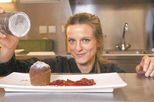 Mit viel Liebe zum Detail richtet Denise Amann ihre Gerichte an. Fotos: VN/r. Paulitsch