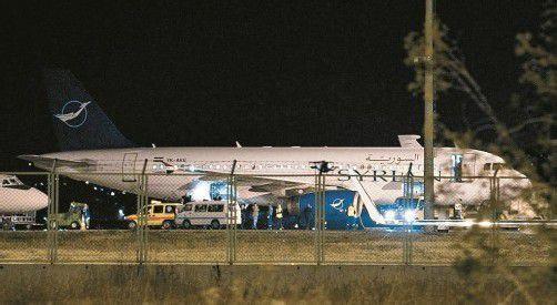 Nachdem die verdächtige Fracht beschlagnahmt worden war, durfte die Maschine gestern am Morgen nach Damaskus weiterfliegen. Foto: Reuters