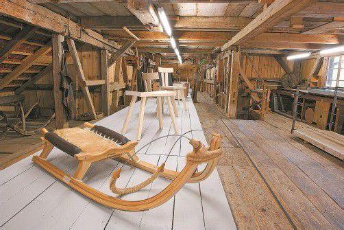 Ob Hochhäuser für Kinder, ein spektakuläres Betonobjekt, schnelle Schlitten oder bequeme Stühle – Bregenzerwälder Handwerker präsentieren sich erneut als wahre Künstler. Foto: Ludwig Berchtold