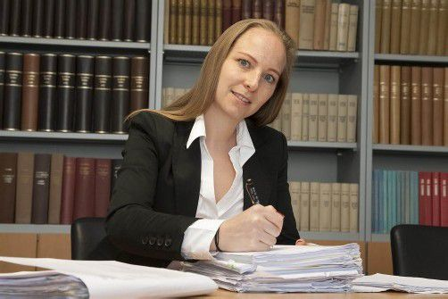 Olivia Lerch verteidigt den 17-Jährigen vor Gericht.  Foto: vn/hofmeister