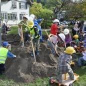 Spatenstich für neuen Kindergarten in Muntlix