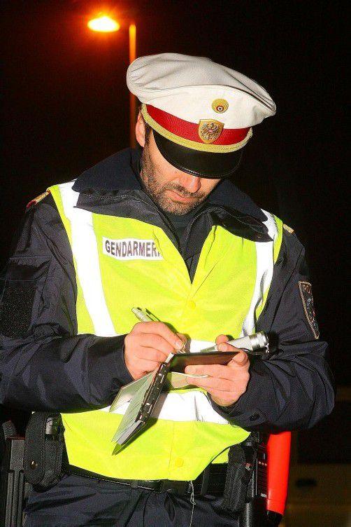 Polizisten dürfen vor Ort wohl bald bis zu 200 Euro kassieren.