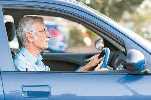 Sind Senioren wirklich das größere Risiko im Straßenverkehr? Foto: Fotolia