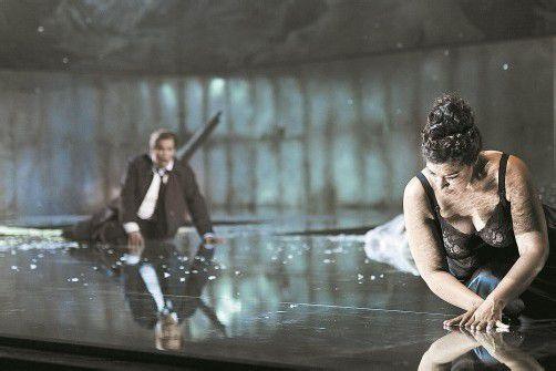 """Szene aus """"La Wally"""" am Theater St. Gallen. Foto: Suter"""