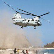 Truppenübung am Strand in Osttimor