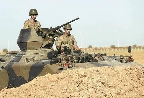 Türkisches Militär fuhr gestern verstärkt an der Grenze zu Syrien auf: Die Regierung betont jedoch, keinen Krieg anzustreben. Foto: Reuters