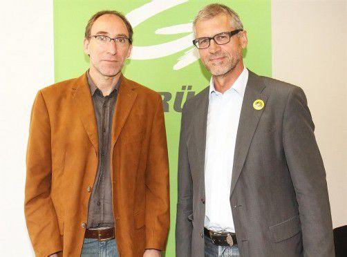 Vorstandssprecher Rauch (l.), Nationalrat Walser: Als erste Vorarlberger Partei küren die Grünen ihre Kandidaten für die Nationalratswahl 2013.