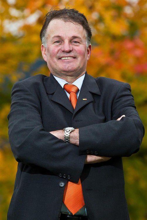 Wenn Blätter sich verfärben – orange werden –, hofft Hagen, kommt die Zeit fürs BZÖ: Bei den Wahlen im nächsten Herbst. Foto: vn/steurer