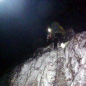 Leichtsinnige Bergsteiger vor dem Erfrieren gerettet