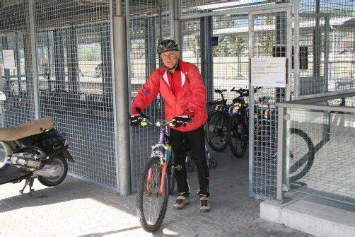 Wurden günstiger: Fahrradboxen am Nenzinger Bahnhof. Foto: KAG