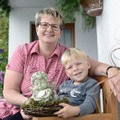 Jakob (4) und sein Schutzengel Wanderin rettet Bub aus Bergsee /B1