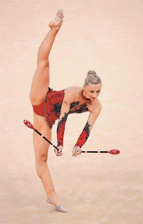 Zum zehnten Mal in Folge holte sich Caroline Weber bei den nationalen Meisterschaften alle fünf Titel in der Eliteklasse und gewann zudem mit Michelle Breuß Gold im Elite-Teambewerb. Foto: reuters