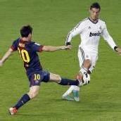 Verneigung vor Messi und Ronaldo