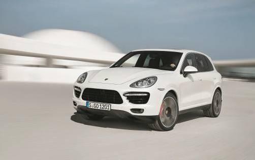 Als Turbo S schafft der Porsche Cayenne den 0-auf-100-Sprint in 4,5 Sekunden. Top-Speed: 283 km/h.