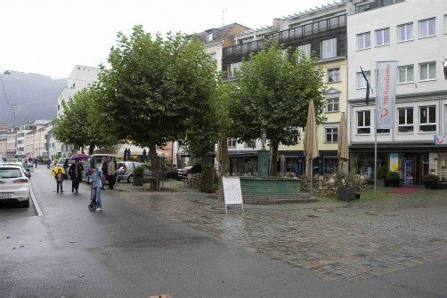 Am Bregenzer Kornmarktplatz fiel der Unbekannte über den 23-jährigen Bregenzer her. Foto: vn/pAULITSCH