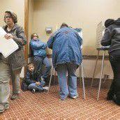 US-Bürger beklagten sich über zahlreiche Wahlbehinderungen