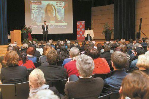 Der J.-J.-Ender-Saal in Mäder war bestens gefüllt. Fotos: VN/Steurer