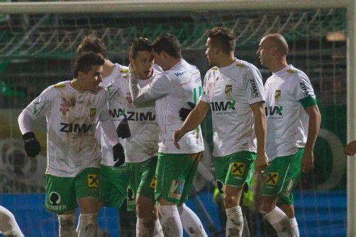 Die Austria-Kicker feierten im Derby gegen den FC Lustenau ihren zwölften Saisonsieg. Bemerkenswert: Das Team kassierte erst zwölf Gegentreffer. Foto: steurer