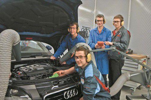 Die Berufsschüler haben die neue Multifunktionshalle schon in Beschlag genommen. Foto: VN/J. Schwald
