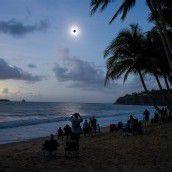 Sonnenfinsternis zieht Australier in ihren Bann