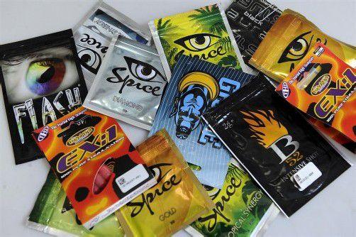 Die synthetischen Drogen kommen meist aus Asien und werden in bunten Päckchen angeboten. Foto: apa