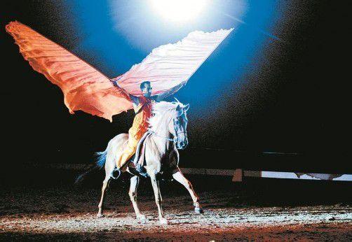 """Die zauberhafte Show von Pegasus und den royalen Pferden der """"Passion 2013"""" kommt nach Dornbirn. Foto: Showfacotry"""