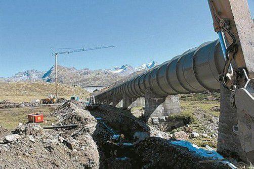 Ein Kanal von der Bielerhöhe bis Partenen wird gegraben. Foto: hr
