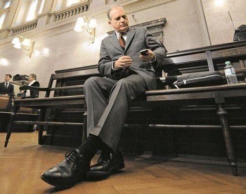 Ernst Strasser: Im Wiener Gerichtssaal wurden Videos aus Brüssel vorgespielt. Foto: APA