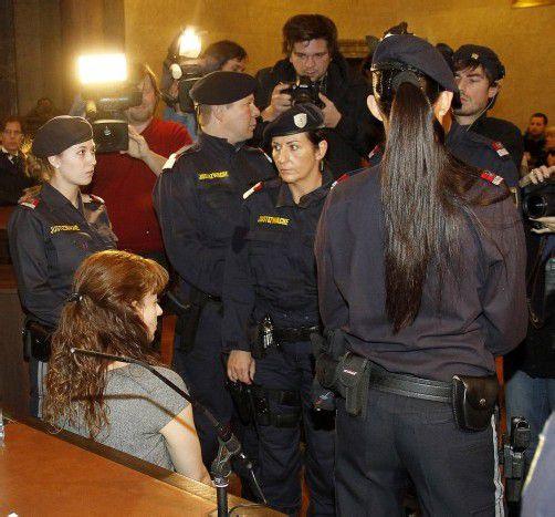 Estibaliz C. nahm das Urteil nach außen ohne ersichtliche emotionale Bewegung zur Kenntnis. Foto: dapd
