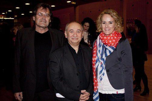 Filmproduzent und Regisseur Niko Mylonas (M.) mit den Hauptdarstellern Anna Elsässer und Kurt Sternik. FotoS: FRANC