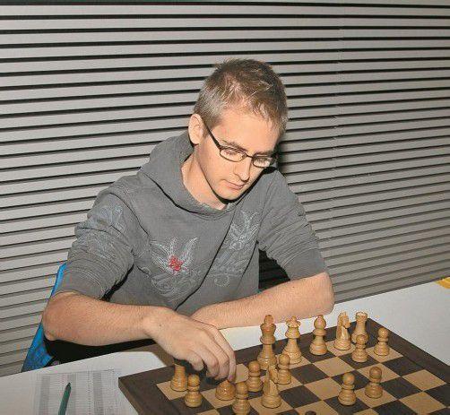 Georg Fröwis holte zwei Siege und ein Remis. Fotos: schwämmle