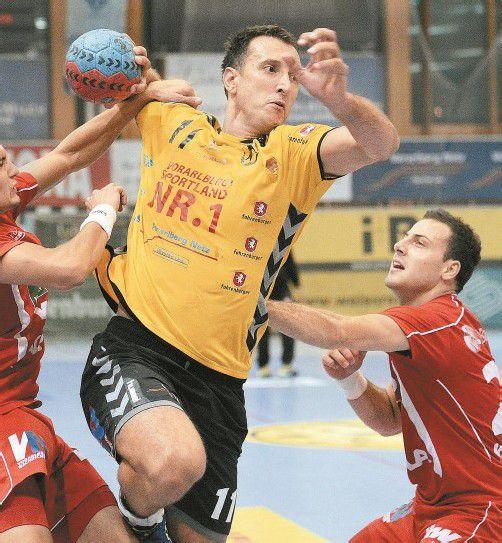 Hinter dem Einsatz des an der Wade verletzten Bregenz-Spielmachers Drasko Mrvaljevic steht ein Fragezeichen. Foto: vn/Stiplovsek