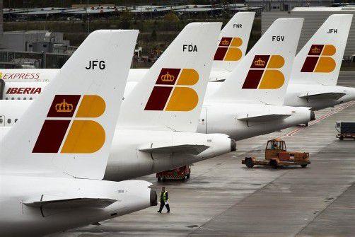 Hohe Verluste machen der spanischen Fluggesellschaft Iberia schwer zu schaffen. Foto: AP