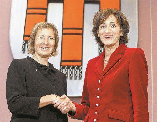 Im Landtag gestern feierlich angelobt: Landtagspräsidentin Gabriele Nussbaumer (l.) und Landesrätin Bernadette Mennel. Foto: Vn/Steurer