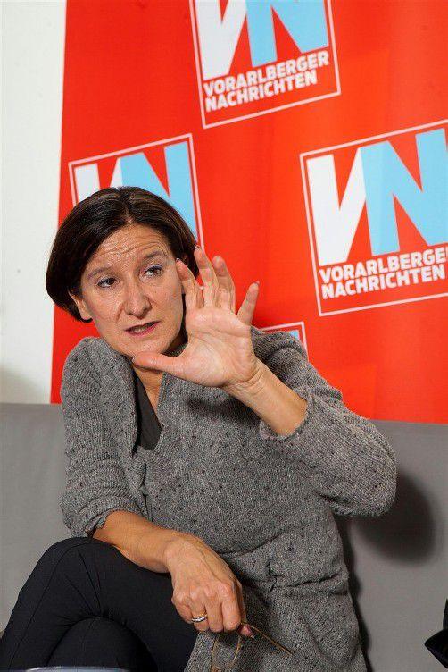 """Innenministerin Mikl-Leitner im VN-Interview: """"Schlepperdatenbank wichtige Basis, um das Netzwerk zerschlagen zu können."""" Foto: Hartinger"""