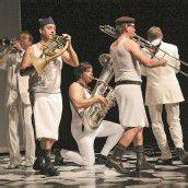Ensemble Sonus Brass begeistert mit Jugendprojekt Des Kaisers neue Kleider